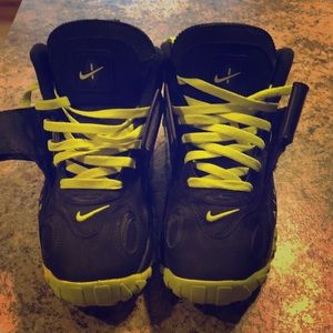 Size 10 Nike Air Max Turfs